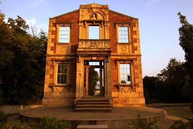 heigold house facade.jpg