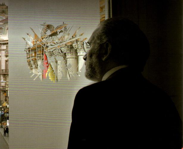 """Carlos D. Mesa / Foto recortada de la portada del libro """"Presidencia sitiada"""""""