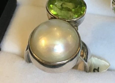 Peridot & Pearl Ring
