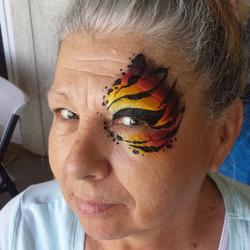 Tiger eye face paint