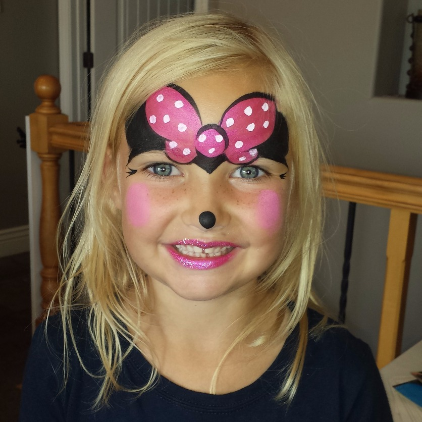Minnie Mouse face paint
