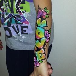 Graffiti arm paint