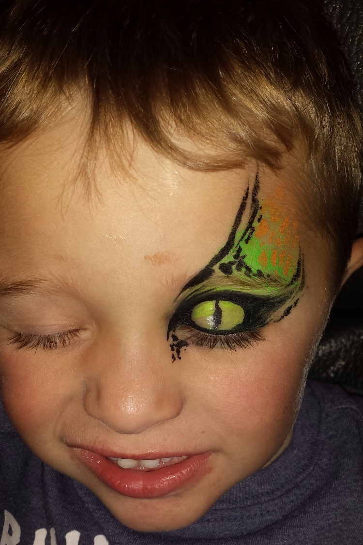 Lizard eye face paint