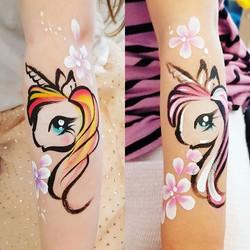 2 teeny tiny cuties who wanted unicorns
