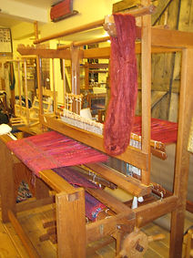 weaving classes  at leolas studio