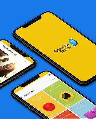 mockup-of-three-iphones-xs-max-lying-on-
