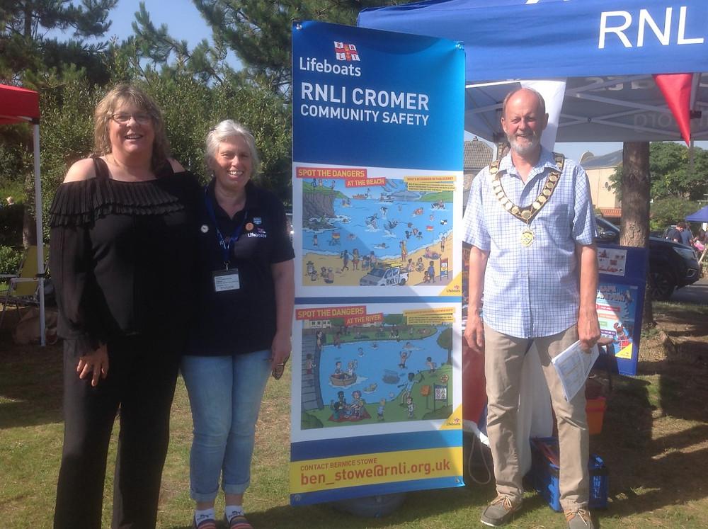 Julie Chance (Cromer Town Clerk), Bernice Stowe (Community Safety Officer, RNLI Cromer) and Richard Leeds (Cromer Town Mayor).