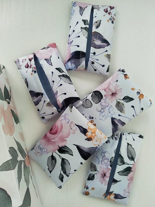 Virágok zsepkendőtartó
