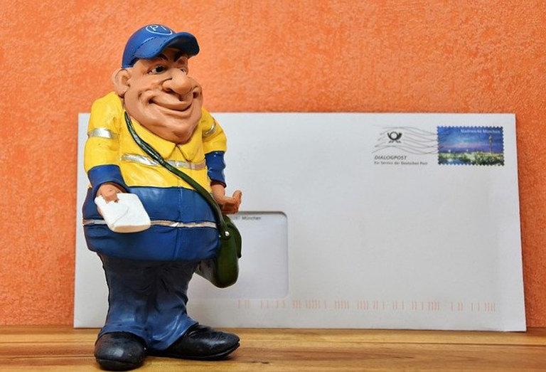 postman-3066598_640.jpg