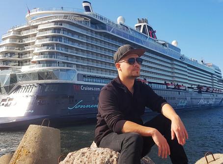 Zauberer auf der Mein Schiff 1 von Tui Cruises