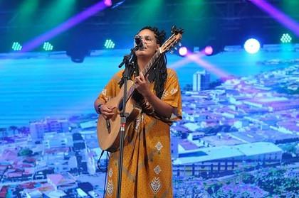 Cantora ilheense é melhor intérprete de festival em Minas Gerais