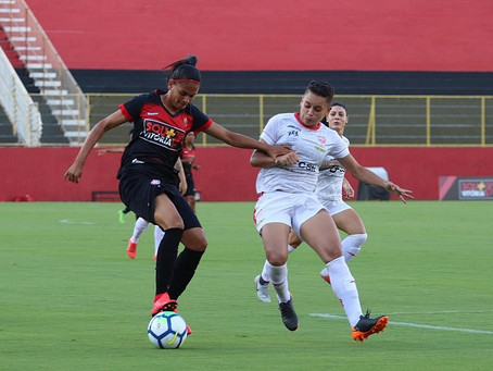 Gabrielle Itacaré estreia bem, mas Vitória perde jogo