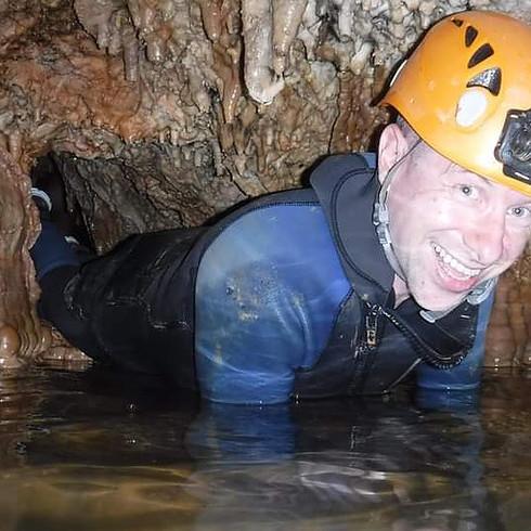 Caving / Espeleologia In Cueva Excentrica!!!x