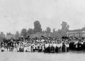 Batismo_em_Águas,_1920_-_Rua_Azusa.jpg
