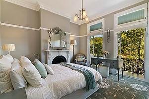 Modern bedroom interior.jpg