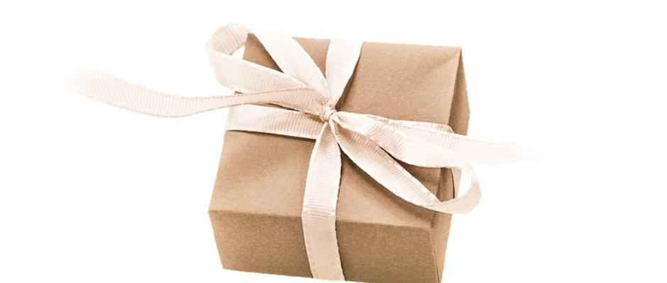 Geschenke Paket im Wert von 60,00 € - 18% Rabatt!