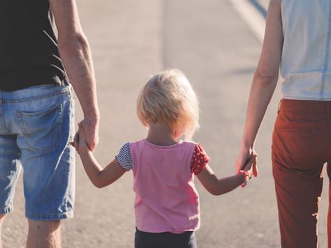 Niet langer partners, nog steeds samen ouders.
