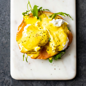 Brighten up your Spring mornings with Chef Londt's, Eggs Benedict & Hollandaise sauce recipe.