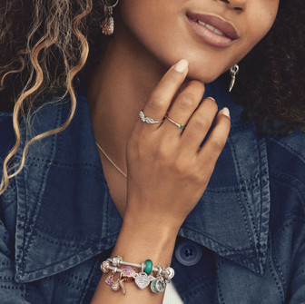 Style your story in new ways with Pandora.