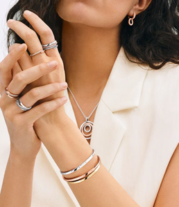 The Pandora Signature collection is back with new sophisticated and iconic designs.