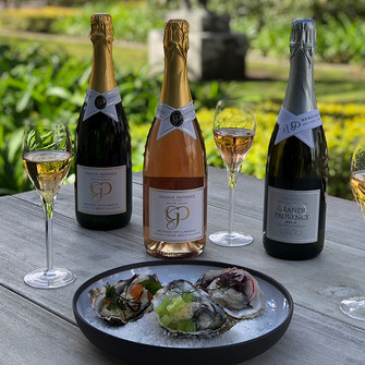 Grande Provence oysters & bubbly pairing smacks of summer.