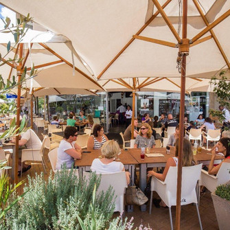 Are you looking for that European style café under the stars? Then Voodoo Lily Café is the answer!