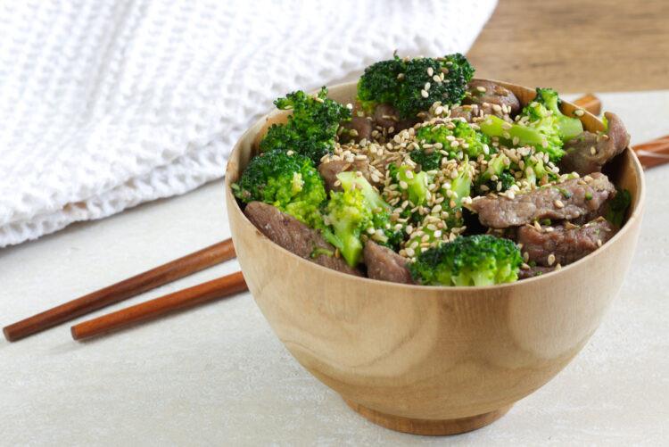 Hovězí s brokolicí. Zdroj: