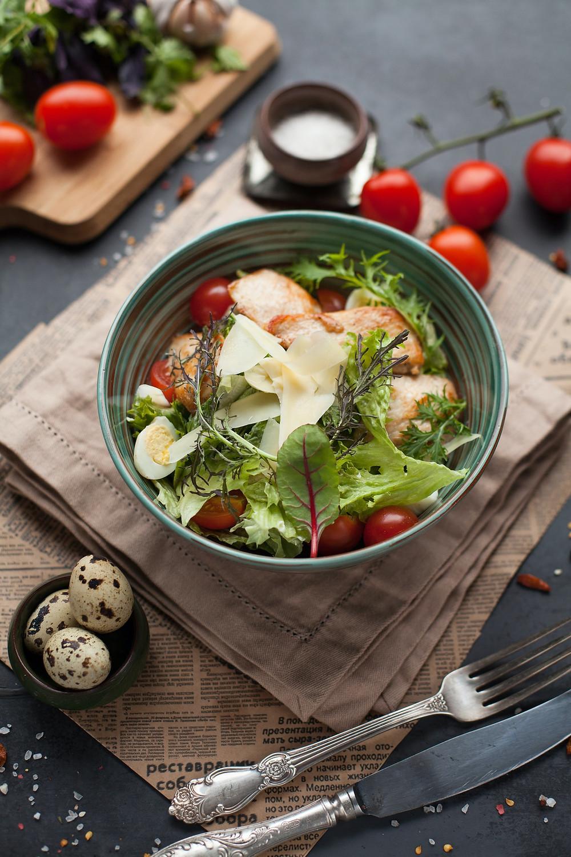 Ketogenní dieta není ve skutečnosti moderní dieta z prášku, ale strava založená na skutečných potravinách, kterou znali již naši předci lovci a sběrači.