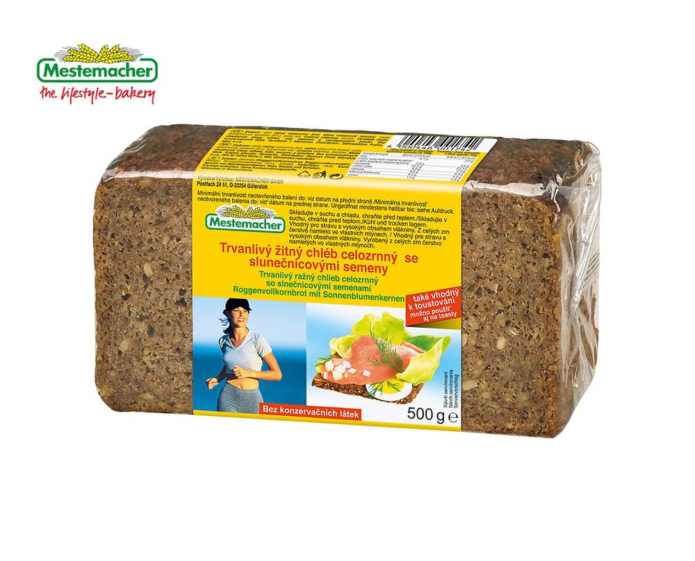 Doporučit můžeme také trvanlivý žitný chléb Mestemacher se slunečnicovými semínky.