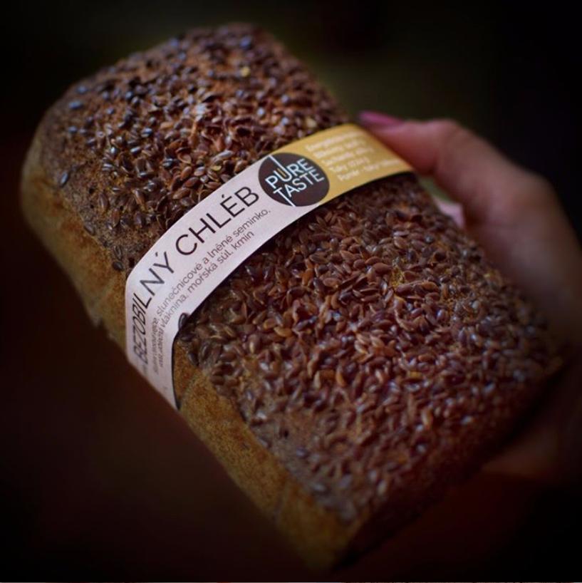 Vyzkoušejte bezobilný chléb Puretaste.