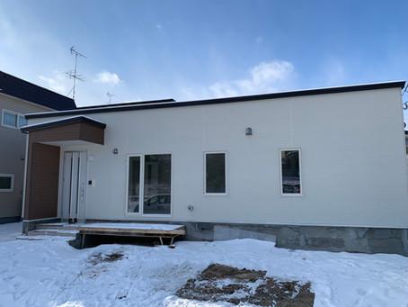 【新築施工例】白を基調としたスタイリッシュなデザインの家