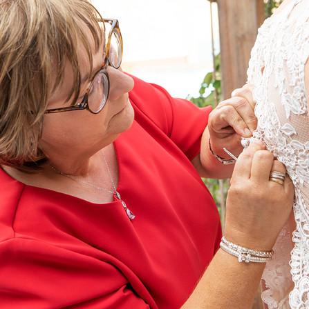 moeder van de bruid.jpg