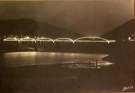The old bridge in Régua (Reis, Baía,1951