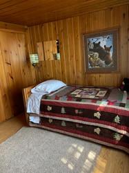 Day Cabin 2nd bedroom.jpg