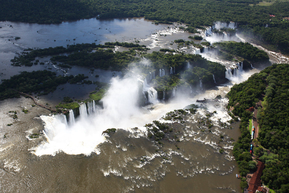 Cataratas_do_Iguaçu.jpg