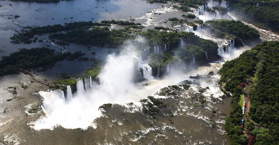 Cataratas_do_Iguaçu.jpg