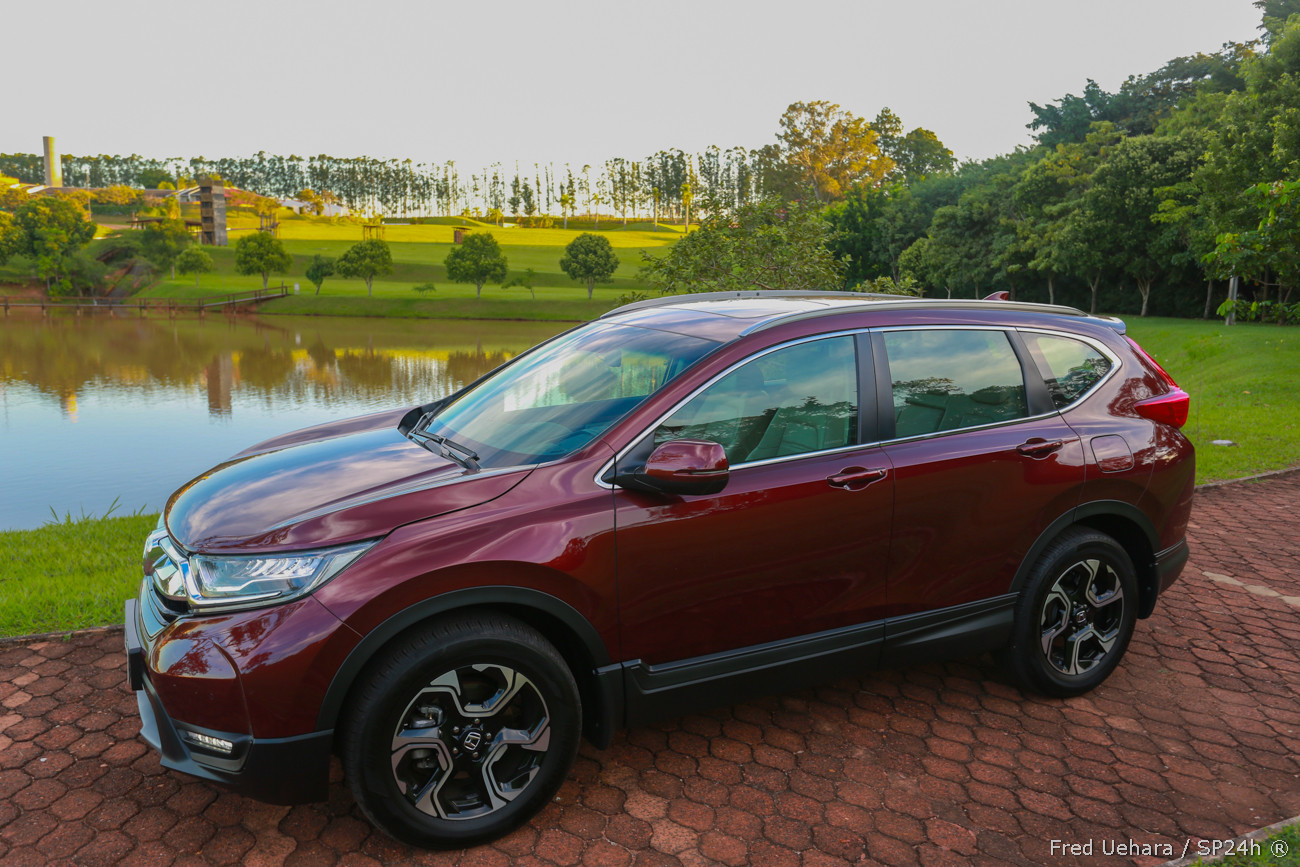 Honda CR-V Touring (32).jpg
