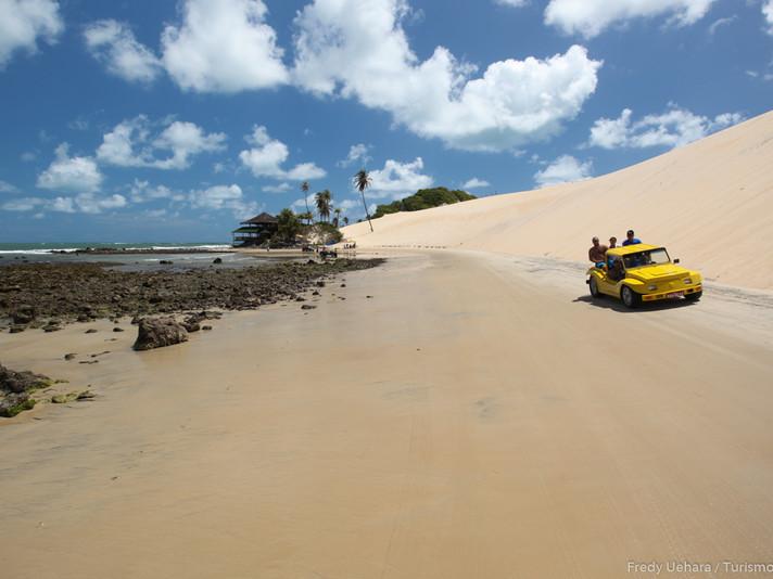 Praia de Genipabu (5).jpg