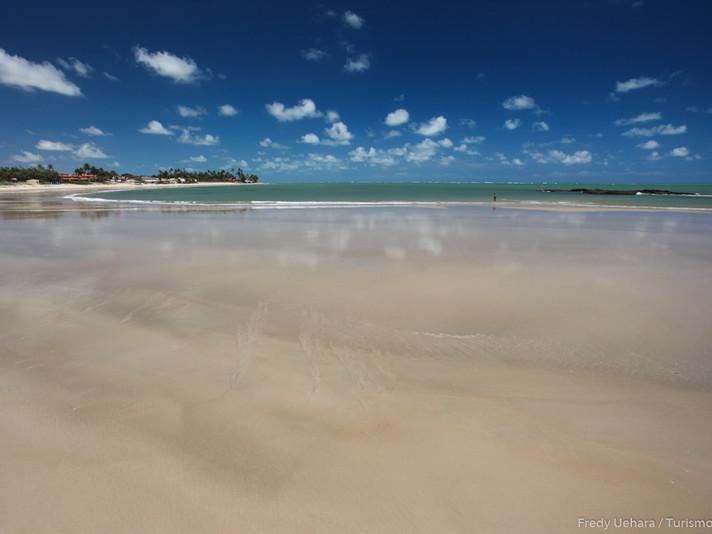 Praia_de_Jacumã.jpg