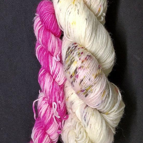 Sandstone Finny Mini British Sock Wool Set