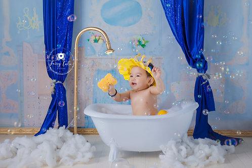 9. Royal bubble bath