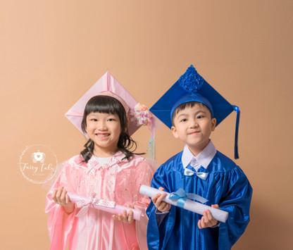 畢業相-香港-家庭相2.jpg