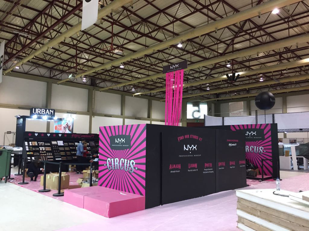 NYX | Stand Exponor