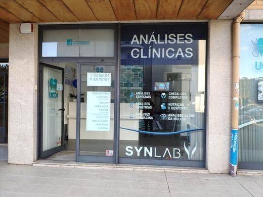 UCDI Braga Synlab |  Decoração de montras com vinil impresso