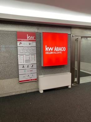 KW | Caixa de luz com iluminação LED