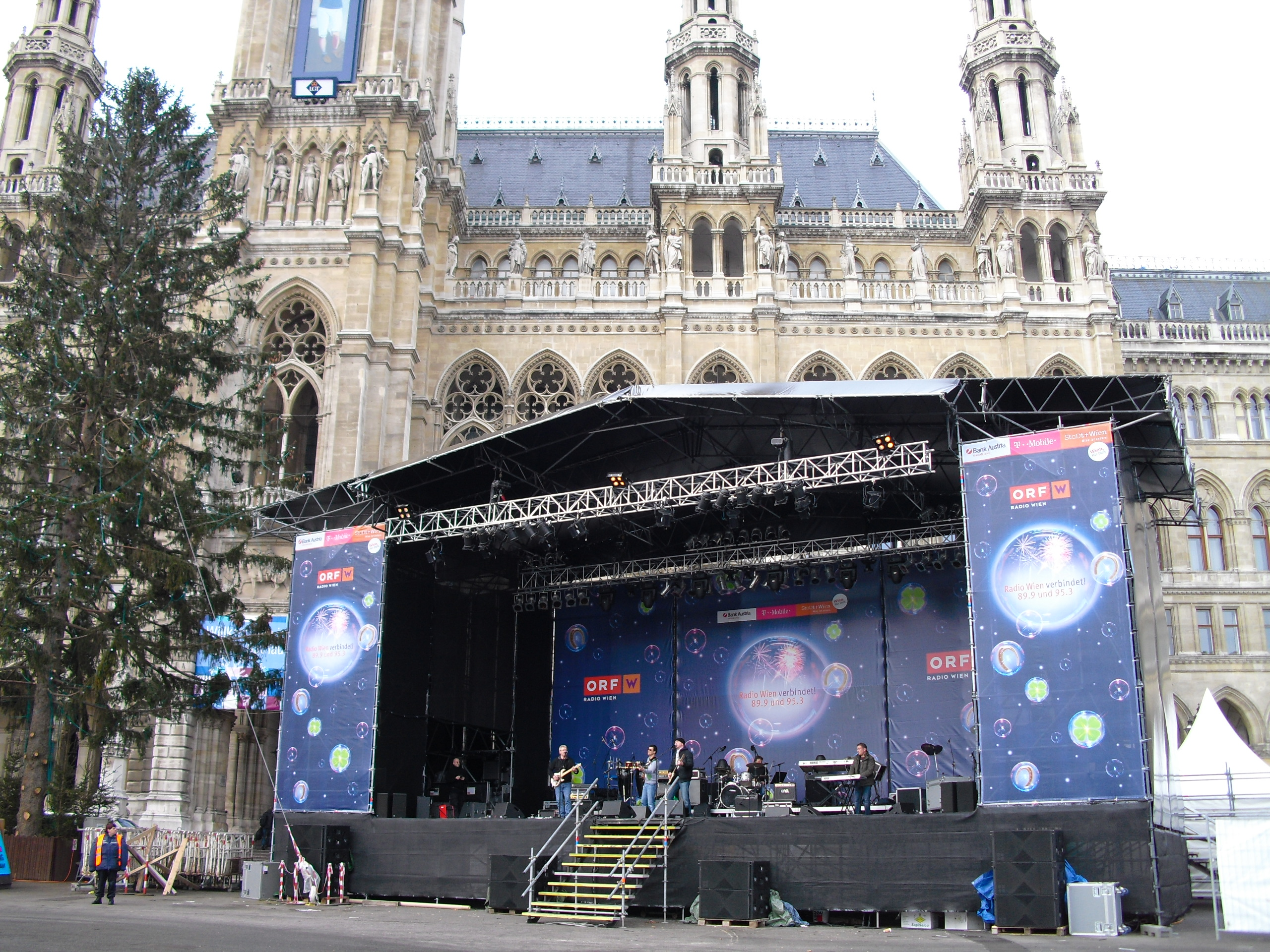 The Adams Family Stage - Silvesterpfad Wien