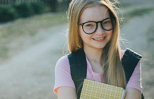 freckled%20blonde%20girl%20in%20glasses%