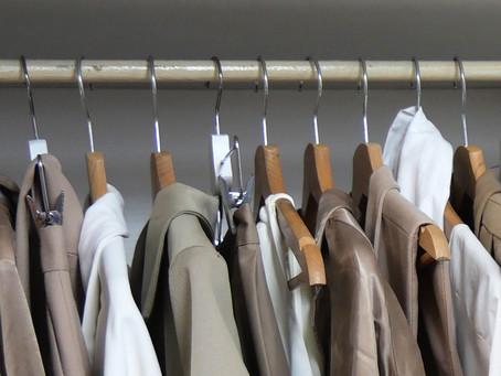 Un dressing minimaliste pour libérer sa maison et son esprit !