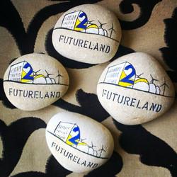 Stenen met Futureland logo