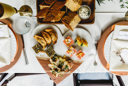 Sweetheart Table Appetizers: The Bartlett Pair Photography